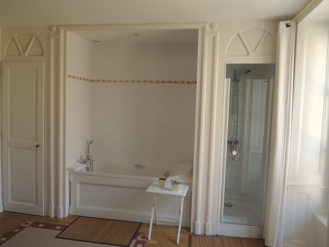 Willkommen im romantisch gediegenen Château d'Epenoux